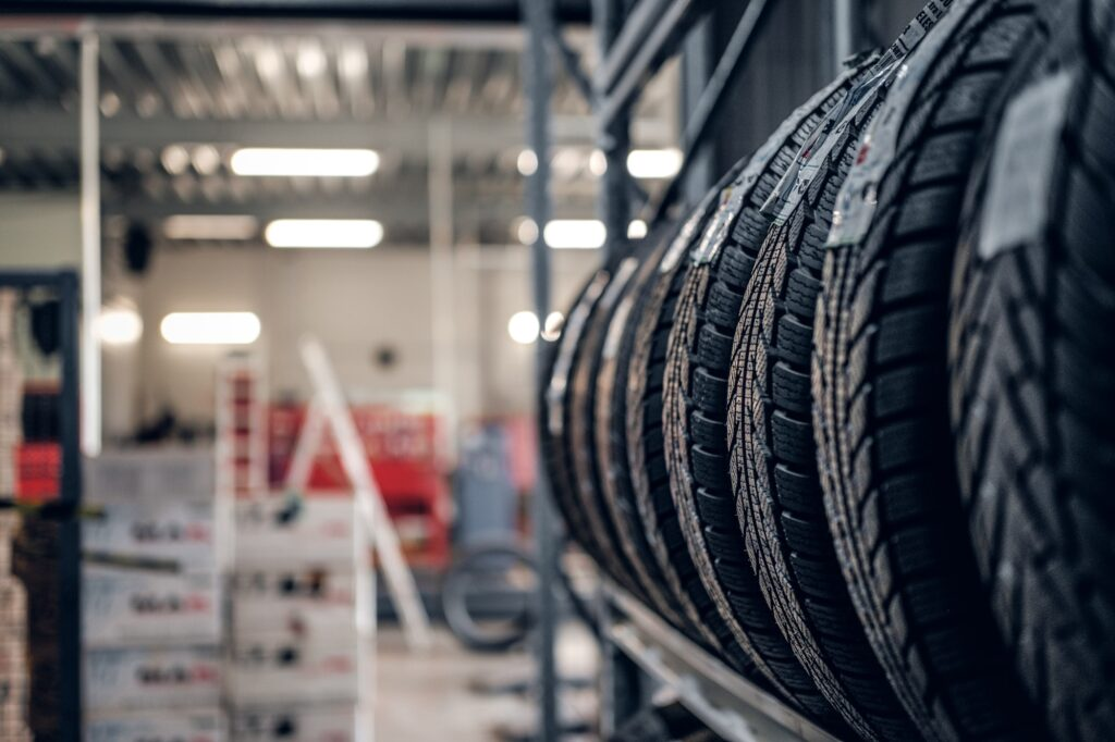 fitted tyres in sittibgourne